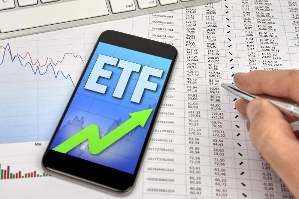 2.一般NISAで海外ETFを買うメリットとデメリットは?