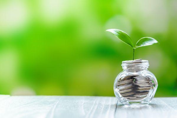 1.初心者が投資信託を買うなら銀行と証券会社どっちがいい?